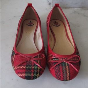 Shoes - NFS Super cute plaid ballet flats!