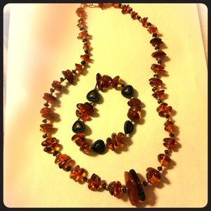 Jewelry - Amber bracelet and necklace set