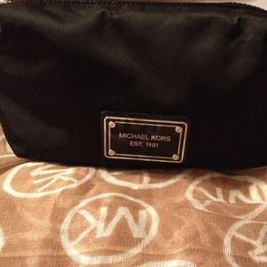 Michael Kors Clutches & Wallets - Michael Kors Cosmetic Bag