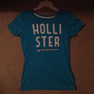 Hollister Tops - New w/o tags Hollister tee