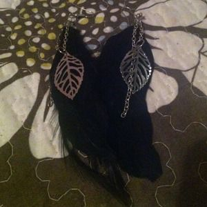 Black feather Earrings must Go
