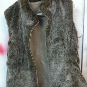 Reversible fur vest