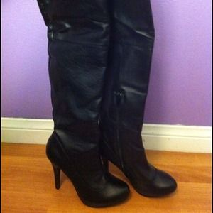 Boots - RESERVE FOR @mrsdiaBlack leather heeled boots