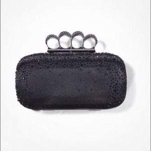 Beaded crown handle clutch