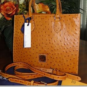 Handbags - LOOKING FOR THIS BAG. DOONEY BOURKE