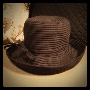Accessories - Back hat with bow
