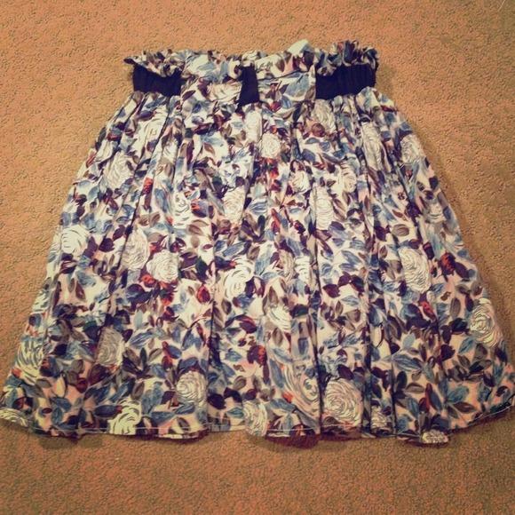 Gracia Dresses & Skirts - Floral Flare Skirt