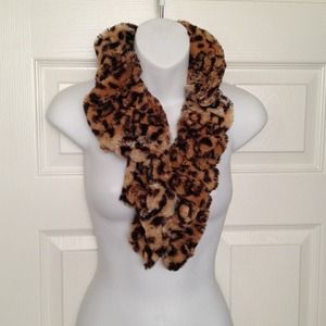 Accessories - Loopable Leopard Neck Scarf