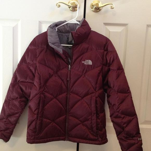 4fa3ede43d46 North Face 550 Women s puffer jacket (burgundy). M 50ec4244e4ebea461800d068