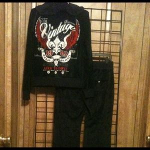 Jackets & Blazers - NWOT Vintage look velour sweatsuit