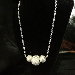 Chain ball necklace