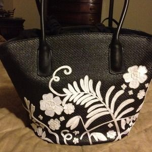 Cole Haan Handbags - Cole Haan black and white handbag