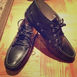 Navy blue leather Sperry top sider lace up shoes