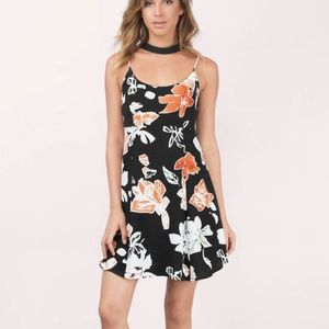Dresses & Skirts - NWOT Print Summer dress - For a Tropical getaway