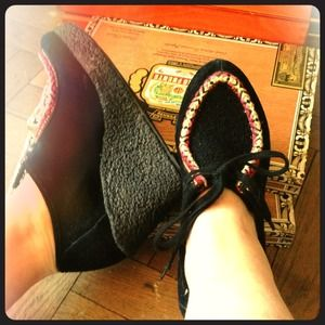80%20 Moccasin Wedge Platforms
