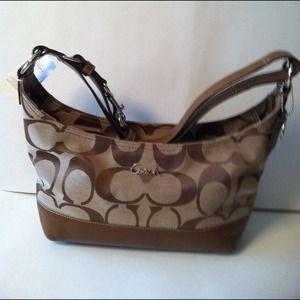 Coach handbag/crossbody f 17491