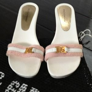 :Reduced: authentic dolce and gabbana shoes.