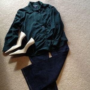 Tops - ‼️ SALE Hunter green silk blouse