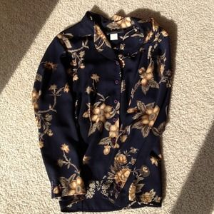 Tops - $10 SALE Deep navy blouse with floral print