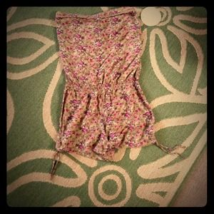 Other - Reserved Tan 🌸 flower romper