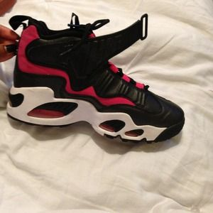 Nike Shoes - Griffeys😍