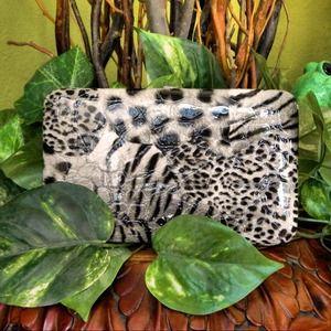 Handbags - Wallet- New!