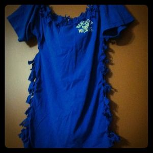 Tops - Kentucky Wildcats knotted t-shirt.