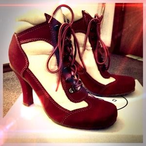 Steve Madden Shoes - Steve Madden Lenoxx red leather shoes