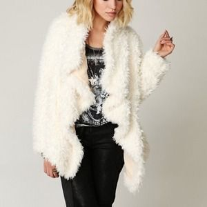 ✨Free People faux fur swing coat✨