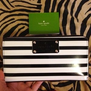 kate spade Clutches & Wallets - HOLD ✋✋✋Kate Spade wallet
