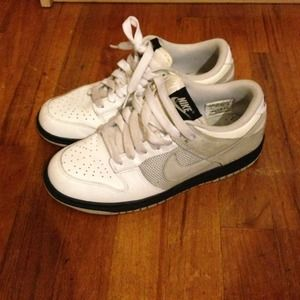 Nike Shoes - Nike • Women's Dunks in White Size 8