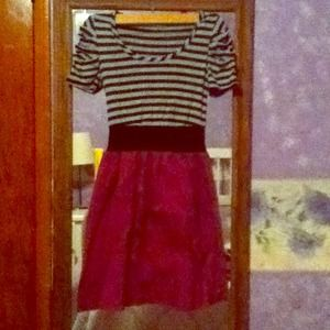 Small, tri color dress with ruffle sleeves