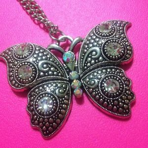 Jewelry - Silver rhinestone butterfly necklace