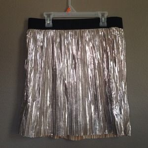 host pick 11/10 Forever 21 short gold skirt