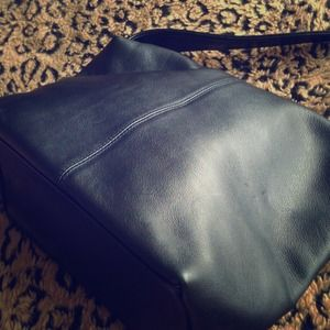 Studio Imports Handbags - Genuine Black Leather Purse