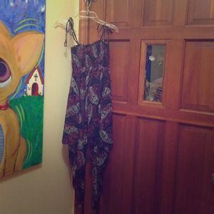 Dresses & Skirts - Flowy Patterned Dress