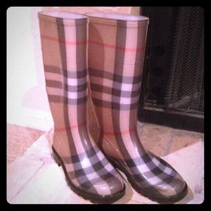 Burberry  Boots - Authentic Burberry rain boots! Sz.6