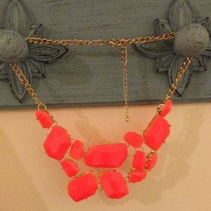 H&M Jewelry - Bright Geometric Statement Necklace