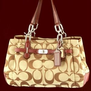 Coach Handbags - NWT Authentic Coach Chelsea Signature Carryall