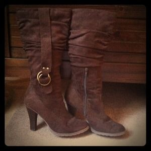 Boots - Slouchy brown suede boots