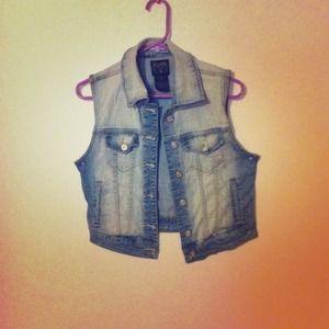 Jackets & Blazers - Jean vest