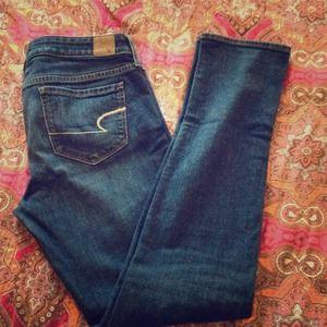 American Eagle Outfitters Denim - Dark Blue Size 8 American Eagle Skinny Stretch