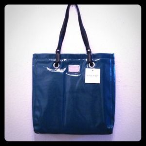 Nine West Handbags - Nine West Tote