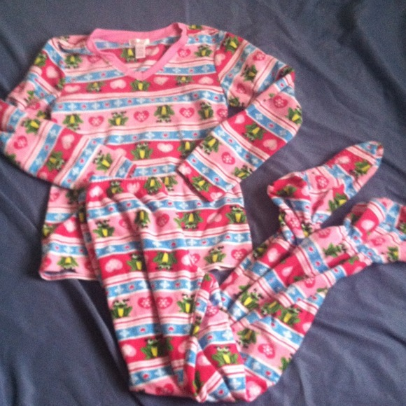 86% off Other - Two piece, footed pajamas. from Jessica's closet ...