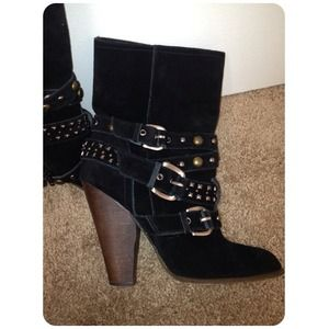 Steve Madden Boots - ✨Reduced✨Steve Madden suede boots
