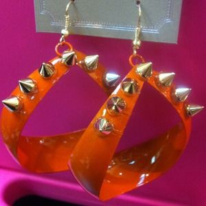 Jewelry - Orange spike teardrop earrings