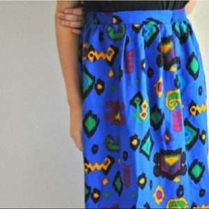 Dresses & Skirts - Gorgeous Vintage Patterned Skirt !
