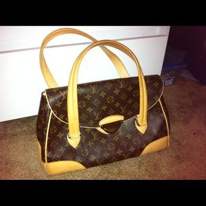 Authentic Louis Vuitton Purse