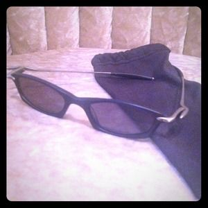 oakley Accessories - Oakley sunglasses never worn