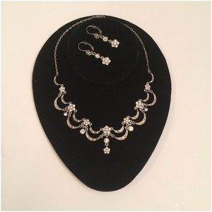 Kenneth Jay Lane Jewelry - 💝2X HOST PICK 💝 Kenneth J Lane Rhinestone Choker